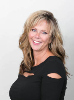 Lynn Roscioli, Hair Stylist at Skin Renewal Systems Marco Island
